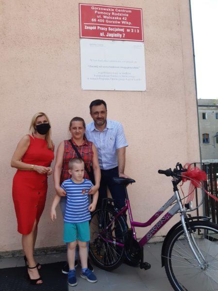 Read more about the article Podarowanie rowerów dla dzieci objętych systemem pomocy społecznej.